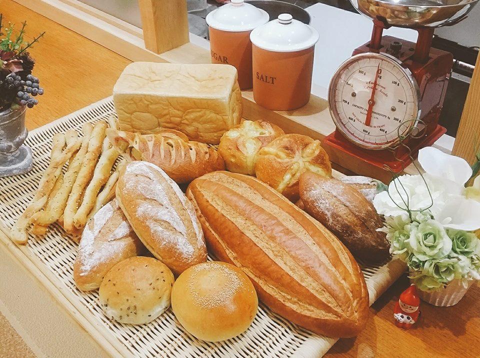 Bakery & Sweets coronet